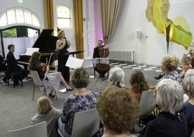 28 Dream with Me - Music on Chairs 26 mei 2019 - Henriette Feith en Artonis Pianotrio - foto Lianne ter Maat
