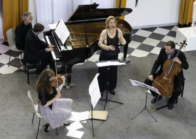 30 Dream with Me - Music on Chairs 26 mei 2019 - Henriette Feith en Artonis Pianotrio - foto Lianne ter Maat