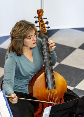 Cassandra Luckhardt - viola da Gamba-Barocque Sucré - foto Jeroen Kuys okt 2018-HR-5833